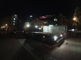 night installation of container